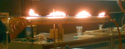 Picture of the Ruben flame tube in use